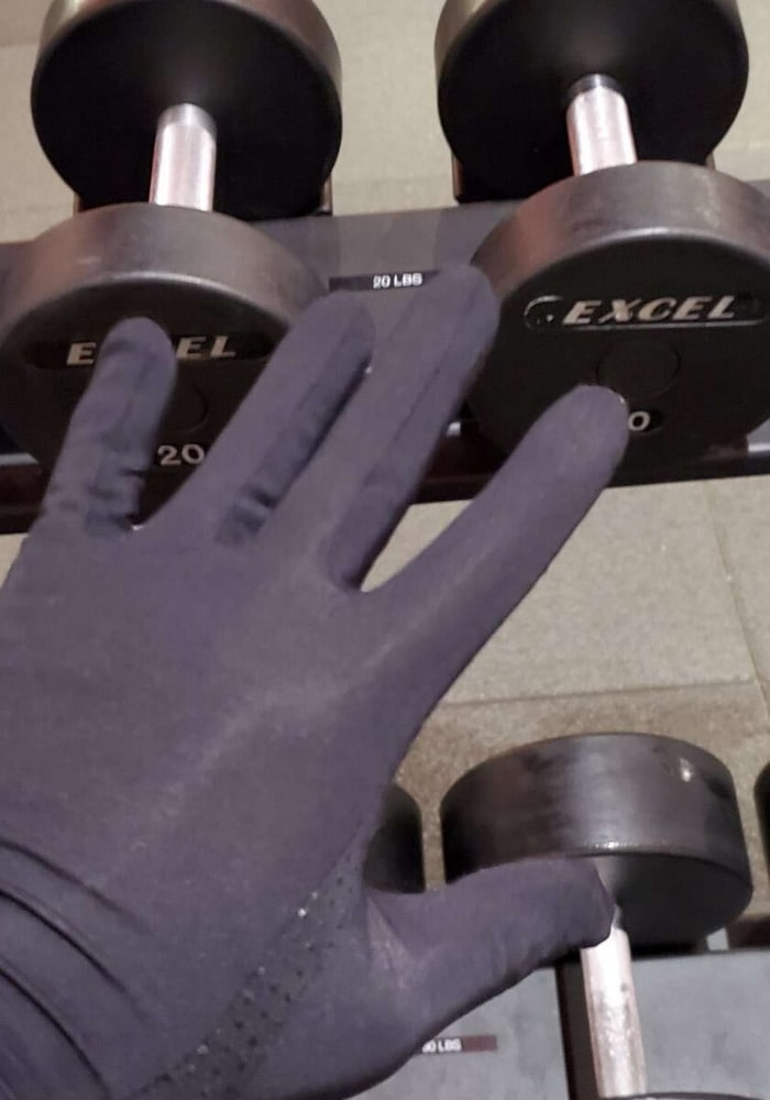corona virus gym gloves