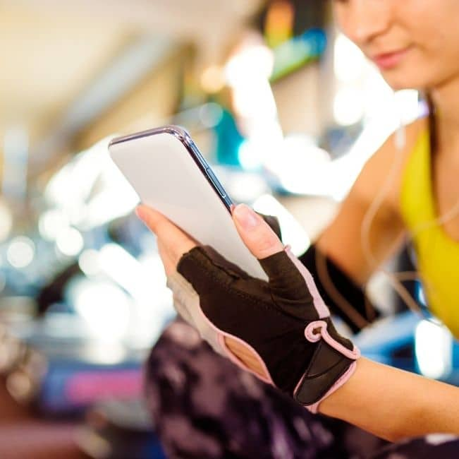 touchscreen compatible workout gloves
