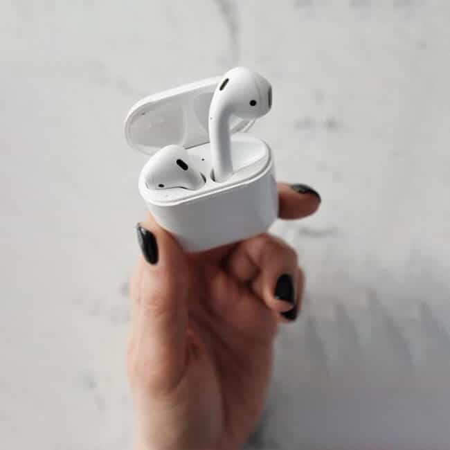 how to tell real airpods from fake airpods