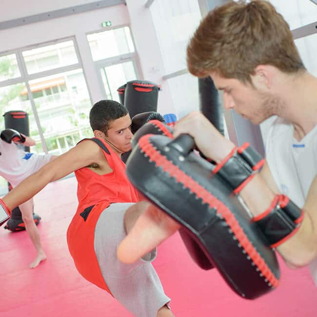 using air compression recovery boots for boxing and mma