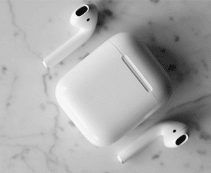 how to clean your airpods case