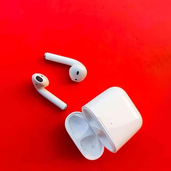 things should never do when cleaning airpods' case's charging port